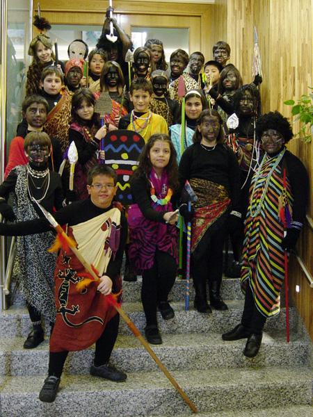 fiesta interracial disfraz en Pamplona